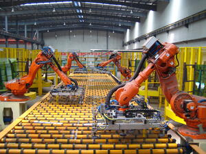 automated-warehouse-robots